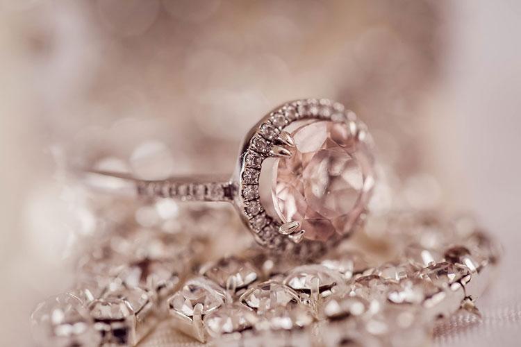 diferencia entre diamantes y swarovski