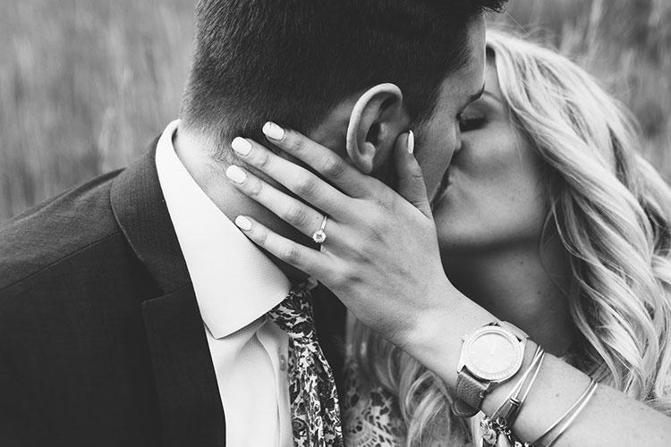 guia comprar anillo compromiso oro blanco con diamante