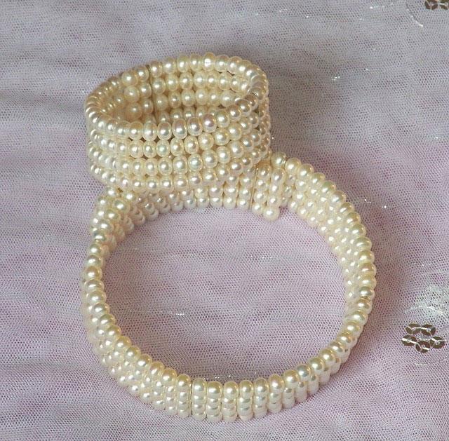 gargantilla de perlas y pulsera